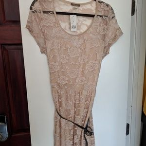 Dresses & Skirts - Tan/Beige Floral Lace Dress